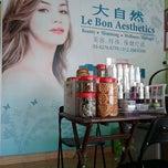 Photo taken at Le Bon Aesthetics 大自然 by Zero R. on 1/13/2012