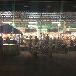 Photo taken at ตลาดไร่วนาสินท์ by Sittichai L. on 2/18/2013
