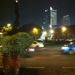 Photo taken at Halte Bunderan Senayan by Dedi A. on 2/10/2013