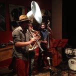 Photo taken at Thelonious, Lugar de Jazz by Daniela P. on 9/13/2013
