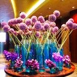 Photo taken at Paiza Counter @ Marina Bay Sands by ♥QQ♥ on 9/15/2014