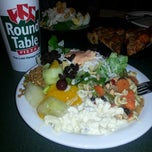 Photo taken at Round Table Pizza by jezzam j. on 4/5/2013