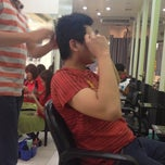 Photo taken at Lucy Britanico Salon (Glorietta 3) by Jowi 💋 on 11/3/2012