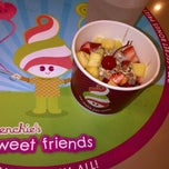 Photo taken at Menchie's by JLPR on 9/26/2011