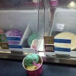 Photo taken at Baskin Robbins by ...... on 9/19/2013