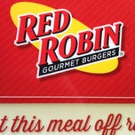 Photo taken at Red Robin Gourmet Burgers by Tim W. on 6/26/2013
