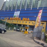 Photo taken at Mangga Dua Square by Rachel C. on 6/28/2013