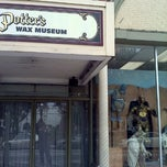 Photo taken at Potter's Wax Museum by Eric N. on 11/27/2011