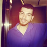Photo taken at Holiday Inn Express and Suites by Yağız U. on 11/25/2013