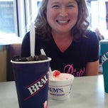 Photo taken at Braum's Ice Cream & Dairy Stores by Randy G. on 7/21/2013