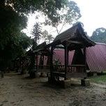 Photo taken at Tapak Perkhemahan dan perkelahan Mak Lang, Janda Baik. by Ungku I. on 11/16/2012