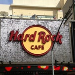 Photo taken at Hard Rock Cafe Hollywood by Glitterati Tours on 3/7/2013