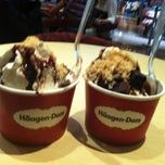 Photo taken at Häagen-Dazs by Brenda C. on 3/30/2013