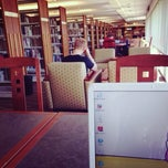 Photo taken at Coralville Public Library by ちぃちゃん on 9/29/2013