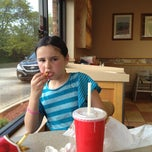 Photo taken at Wendy's by Nellie B. on 4/9/2013