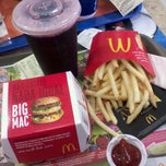 Photo taken at McDonald's by Mari T. on 11/16/2011