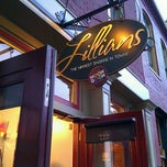 Photo taken at Lillians St. Charles by Harry Z. on 9/16/2011
