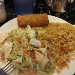 Photo taken at Full House Chinese Restaurant by Daniel B. on 7/11/2014
