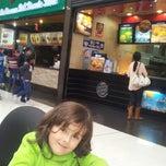 Photo taken at Burger King by Katerine C. on 7/9/2013