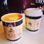 Photo taken at Black Canyon Coffee (แบล็คแคนยอนคอฟฟี่) by Rockie D. on 7/1/2014
