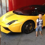 Photo taken at Marriott Hotel Taxi Stand by Daniel H. on 8/9/2013