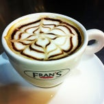 Photo taken at Fran's Café Rouxinol by Silvio A. on 1/28/2013