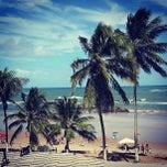 Photo taken at Praia de Itapuã by Rennan P. on 7/12/2013