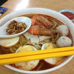 Photo taken at Yi Heng Food Court by Kenneth C. on 12/22/2014