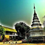 Photo taken at วัดพันแหวน (Wat Phan Waen) by Pong C. on 2/22/2013