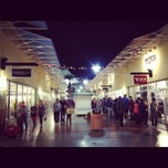 Photo taken at Las Vegas Premium Outlets - North by Kimihito T. on 11/23/2012