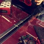 Das Foto wurde bei Dolce&Gabbana von Nawal Y. am 4/2/2015 aufgenommen