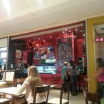 Photo taken at Rosso Pasta & Grill by Sílvia C. on 7/11/2013