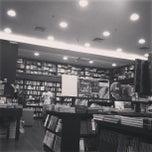 Photo taken at Livraria Argumento by Júlio A. on 4/23/2013