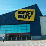 Photo taken at Best Buy by JM A. on 5/13/2013