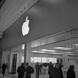 Photo taken at Apple Store, Manchester Arndale by Adam L. on 2/15/2013