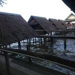 Photo taken at ร้านตอง3 แหลมโพธิ์ by Jarunee K. on 11/10/2012