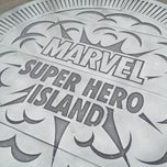 Photo taken at Marvel Superhero Island by Lee B. on 5/30/2013