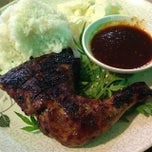 Photo taken at Ket's Kitchen by Fareiny M. on 12/4/2013