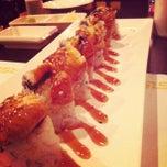 Photo taken at Crazy Rock'N Sushi by Reinaldo I. on 5/23/2012