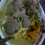 Photo taken at Bakso Jagalan 87 by ellyant d. on 1/20/2012