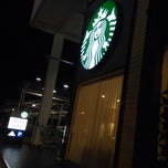 Photo taken at Starbucks by David A. on 11/19/2013