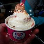 Photo taken at Baskin Robbins by えびちゅ on 12/13/2014