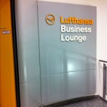 Foto tirada no(a) Lufthansa Business Lounge / Tower Lounge (Non Schengen) por Гзахрис em 10/31/2012
