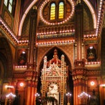 Photo taken at Plum Street Temple by Bill M. on 10/11/2014