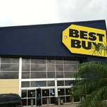 Photo taken at Best Buy by Abbey P. on 9/5/2013