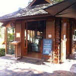 Photo taken at 32 Coffee Hill by ⭕i on 10/25/2012