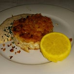 Photo taken at Eddie V's Prime Seafood by Lillian W. on 8/30/2014