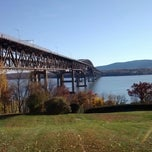 Photo taken at Newburgh Beach by Outlaw 0. on 11/14/2013