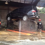 Photo taken at Jet Wash Auto Detailing by Rizkan I. on 11/24/2013