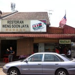 Photo taken at Restoran Weng Soon Jaya by Alina C. on 10/2/2013